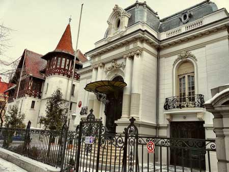Staying in Bucharest Bulevar Dacia