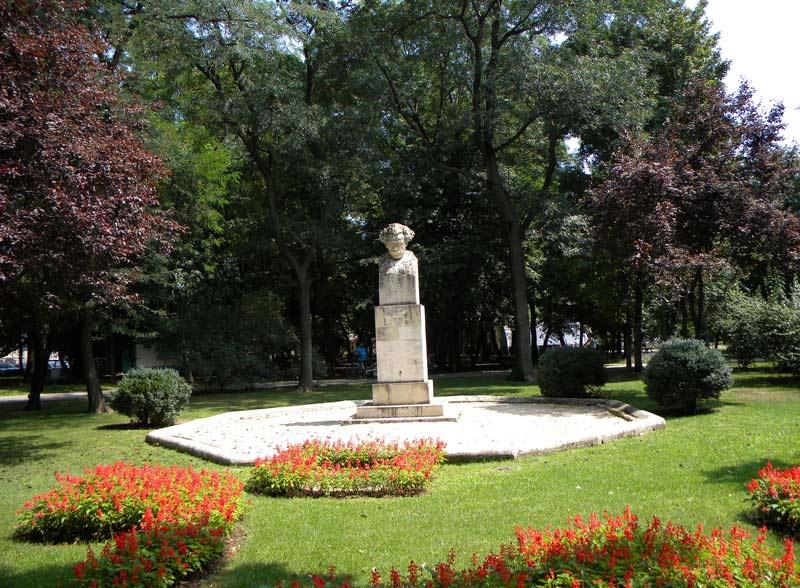 Kiseleff Park Estatua de Barbu Delavrancea