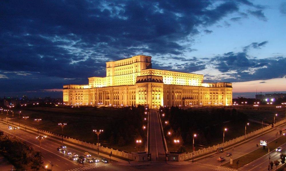 El espectacular Palacio del Parlamento de Rumania